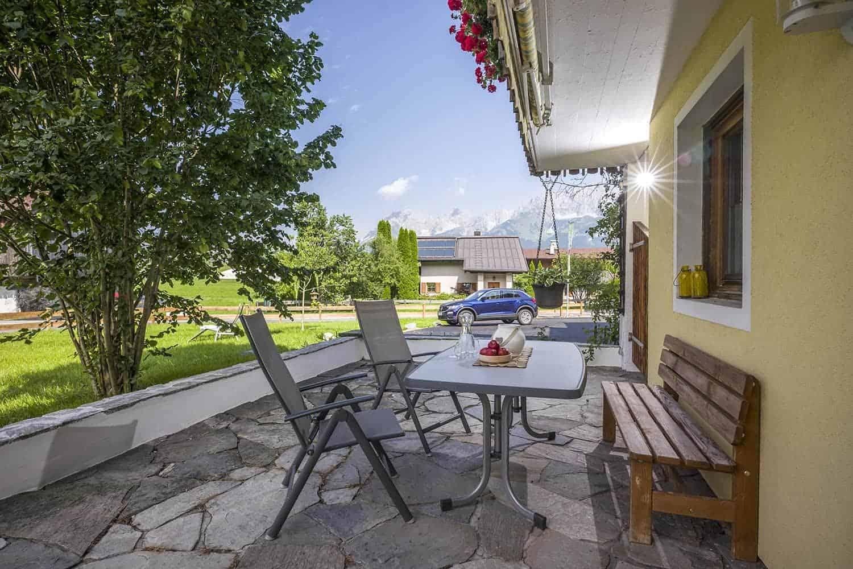 Ferienwohnungen am Roemerweg Penzinghof Oberndorf Terrasse